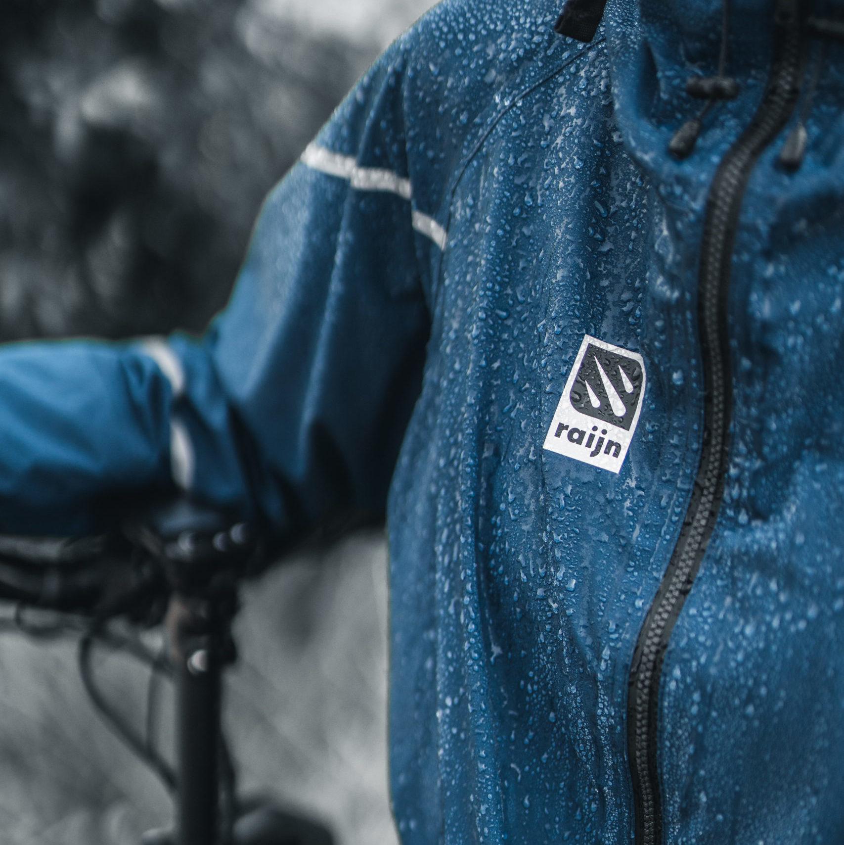 raijn regenbekleidung close up